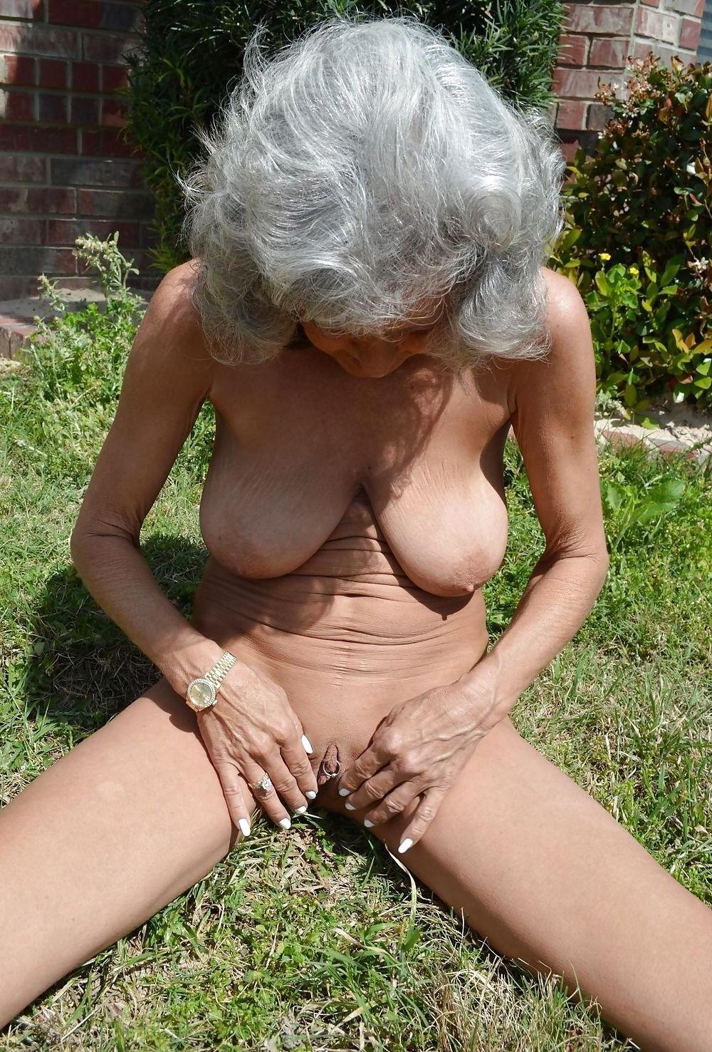 Hot Women Masturbating - Hot women masturbating love porn - grannypornpic.com