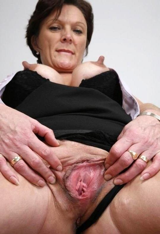 Mature pussy pics big Mature XXX