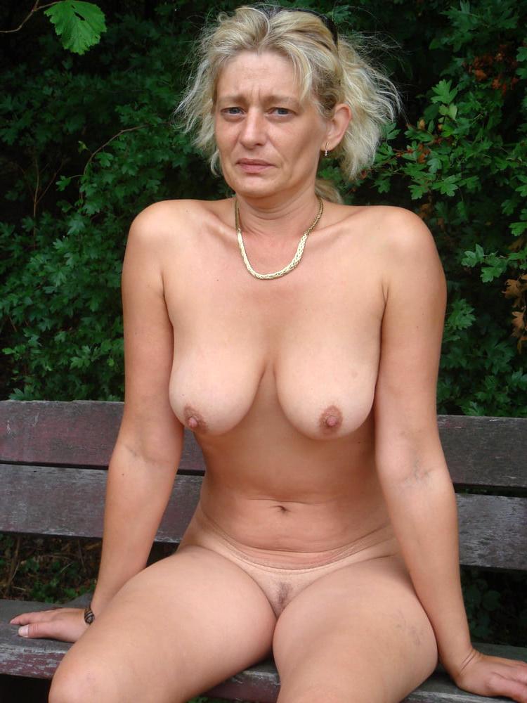 Pics grandma pussy Nude Grannies,