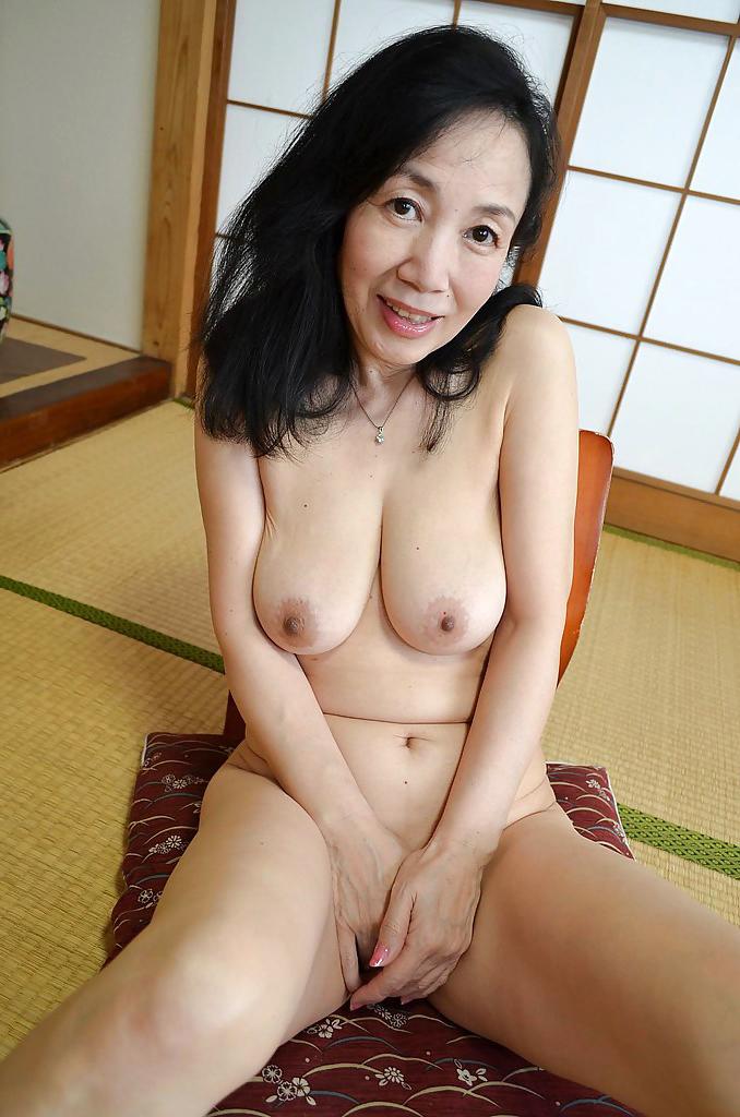 Beautiful asian women nude