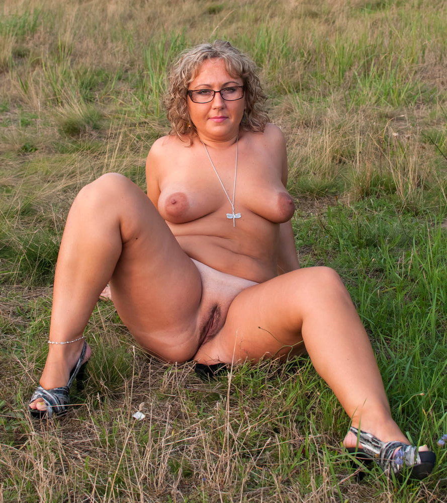 Pics chubby naked Hot Chubby