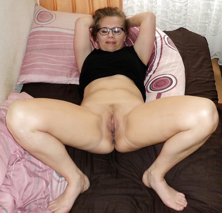 Amateur women pussy