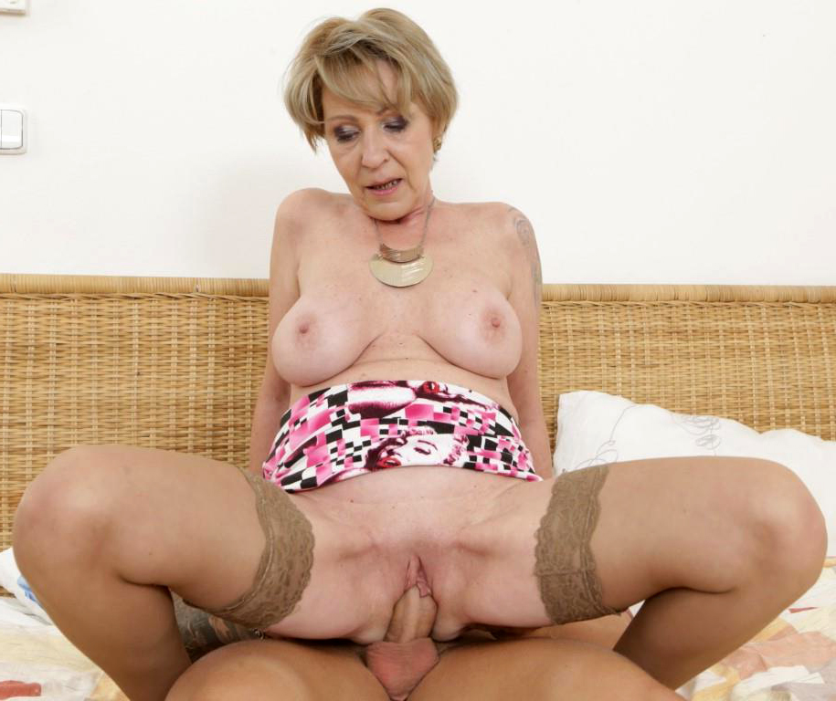 Horny Women Fuck Stripper