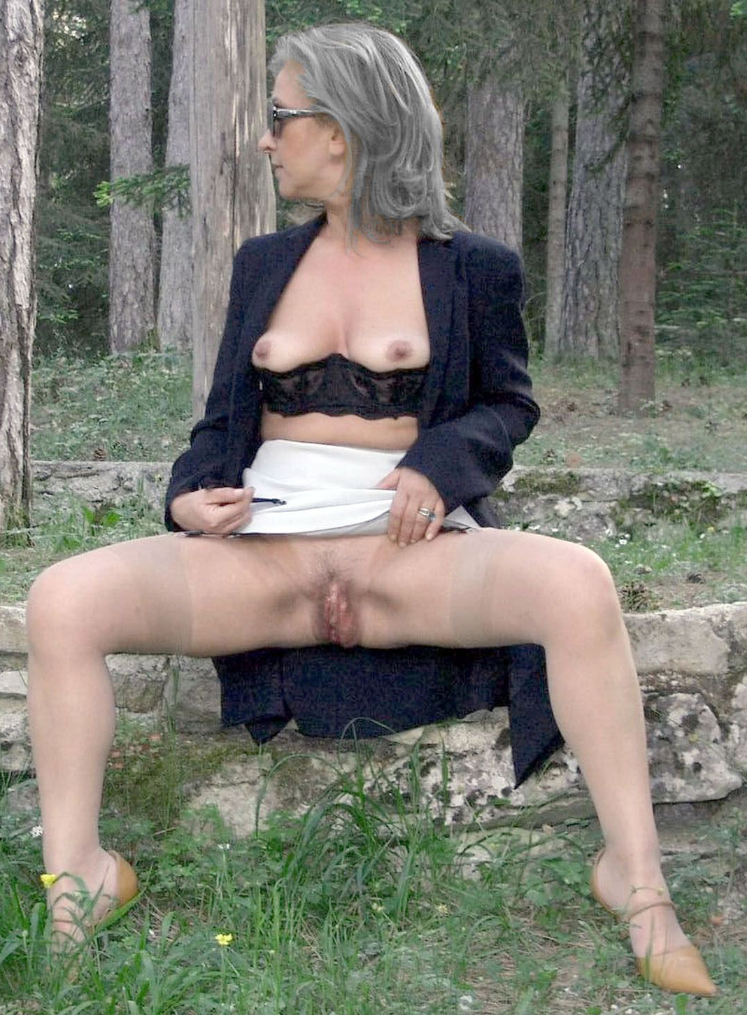 old ladies outdoors homemade pics
