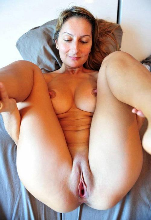 Masturbates to real orgasm