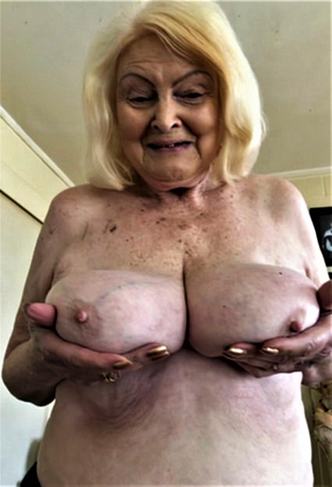 Big saggy grown up tits porn pics - granny-pussy.com
