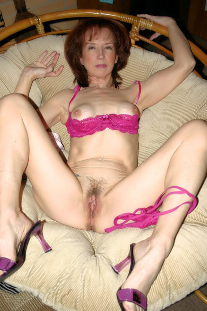 lois griffin off of family guy naked feet