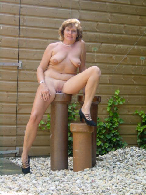 Nice old lady pics nude porn images