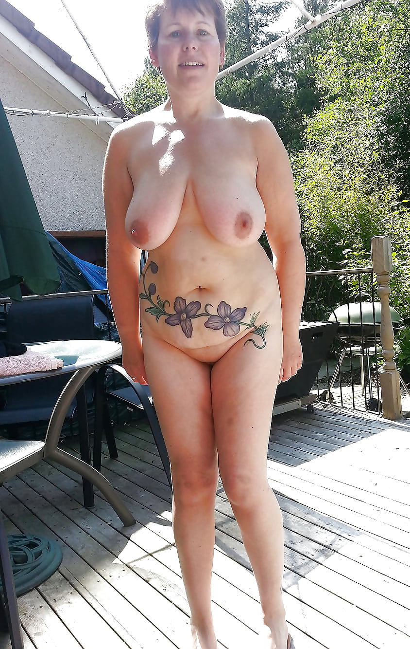 horny women with tattos